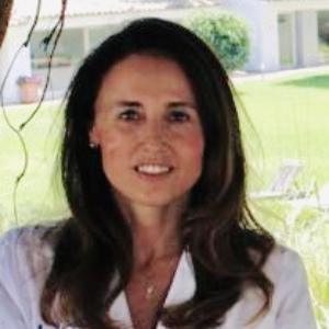 Dra. Marta Frieyro Elicegui