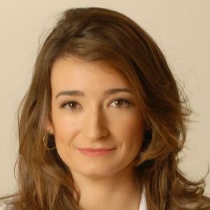 Dra. GLORIA GARNACHO SAUCEDO